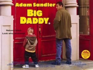 """Poster de la película """"Big Daddy"""". Adam Sandler orina junto a un niño."""
